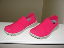 """NOSOX"" STRETCH ELASTIC NEON PINK SLIP ON SHOES GREAT FOR THE BEACH in Camp Lejeune, North Carolina"