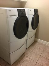 Kenmore Washer & Dryer set with Stands in Conroe, Texas