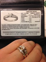 Engagement ring and wedding band in Tampa, Florida