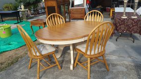 Bassett Table & Chairs Set Butterfly leaf in Fort Lewis, Washington