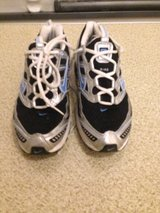 Women's Nike running shoes sz 7.5 in Quantico, Virginia