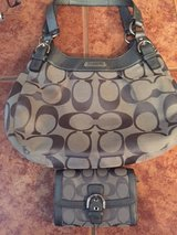 Coach Purse w/Matching Wallet (Grey) in Alamogordo, New Mexico