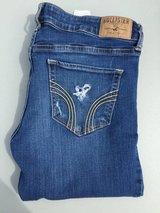 Hollister Girls Jeans-Junior Size 7 in Chicago, Illinois
