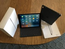 32GB iPad Pro 9.7 with Apple smart case and Apple smart keyboard in Yucca Valley, California