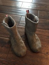 Girl gray Tom boots size 11 in Naperville, Illinois