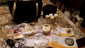 Medela Freestyle double electric Breast pump in Elgin, Illinois