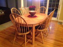 Thomasville Solid Oak table and 6 chairs in Naperville, Illinois