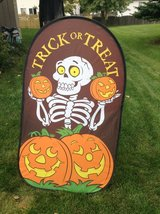 Trick or Treat Sign in Aurora, Illinois