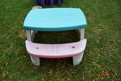 step 2 picnic table for pickup joliet il 60435 in Joliet, Illinois