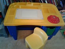 Today's kids desk with chair in Fort Carson, Colorado