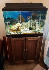 20 gallon fish tank, in Fort Rucker, Alabama