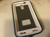 Defender outter box with clip carrier for droid turbo 2 in Lockport, Illinois