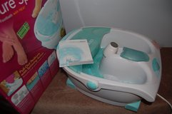 HoMedics HL-200 Pedicure Spa Footbath with Pull Out Spinning Pedicure Tool with 5 Attachments in Bolingbrook, Illinois