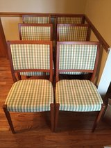 Dining table 6 chairs 2 leafs Teak in Quad Cities, Iowa