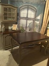 Dining Table seats up to 6 w/ extension!! in Baumholder, GE
