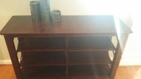 Console Table in Fort Polk, Louisiana