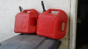 Atv/ motor cycle gas container 5 gallon 2each in Travis AFB, California