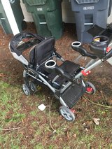 Sit n stand stroller in Fort Lewis, Washington