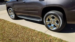 New Chevy Tires/Wheels off of a Tahoe - Sell or trade in Warner Robins, Georgia
