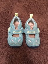 Merrell size 4 toddler/baby in Travis AFB, California