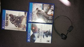 3 PS4 games and bluetooth headset in Fort Knox, Kentucky