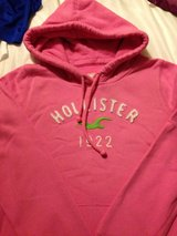 hollister pink hoodie  medium in Lakenheath, UK