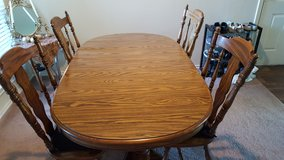 Oak Dining Room Table with 4 Chairs/3 Leaves - in Fort Sam Houston, Texas