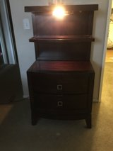 Set of 2 night stands with lamp in Camp Pendleton, California