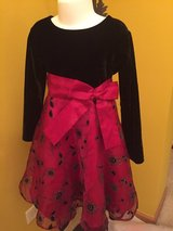 Christmas fancy black and red dress girls 4T like new in Chicago, Illinois