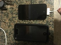 8 gig iPod touch in Fort Leonard Wood, Missouri