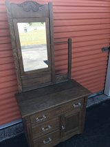 Golden Oak Hotel Wash Stand W/ Mirror/Towel Bar in Camp Lejeune, North Carolina