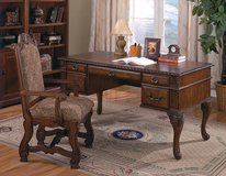 FIRST COME FIRST SERVE! Elegant BIG All Wood Desk - DreamRoomsHouston.Com in Bellaire, Texas