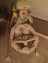 Fisher Price Papasan Cradle Swing in Bolingbrook, Illinois