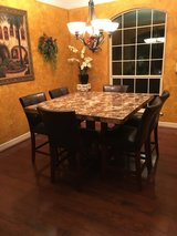 Dining Room Table and Chairs (6) in San Antonio, Texas