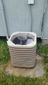 Air conditioner unit top and bottom in Lake Charles, Louisiana
