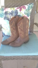 Justin sorrel apache cowboy boots never worn in Perry, Georgia