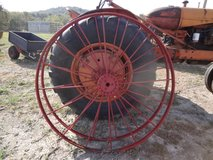 METAL WAGON WHEEL in Fort Campbell, Kentucky