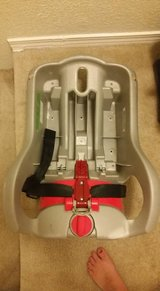 Grace sungride 30 car seat and two bases in Beaufort, South Carolina