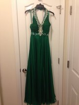 Woman's formal dress size XS in Quantico, Virginia