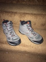 Mens Columbia Hiking/Sport Techlite shoe/only worn twice in Elgin, Illinois