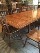 Dining Table and 6 chairs in Baytown, Texas
