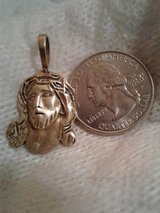 10K Gold Pendant in Clarksville, Tennessee