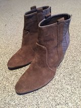 Wedge Ankle Boots-Women's 7.5 in Naperville, Illinois