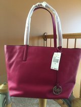 Michael Kors Large Leather Tote in Joliet, Illinois