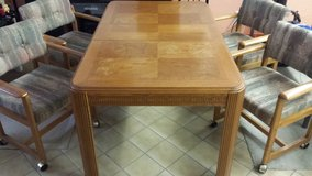 Oak Dining Table and Chairs in Grafenwoehr, GE