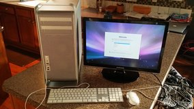 Mac G5 tower  keyboard & mouse in Bolingbrook, Illinois