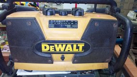 Dewalt shop radio and charger in 29 Palms, California