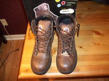 NEW  BRAHMA RAID STEEL TOE BOOTS  91/2  OIL AND SLIP RESISTANT in Perry, Georgia