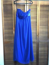 Evening gown. Size 12/14 in Okinawa, Japan