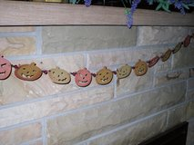 "50"" wood pumpkin garland in Glendale Heights, Illinois"